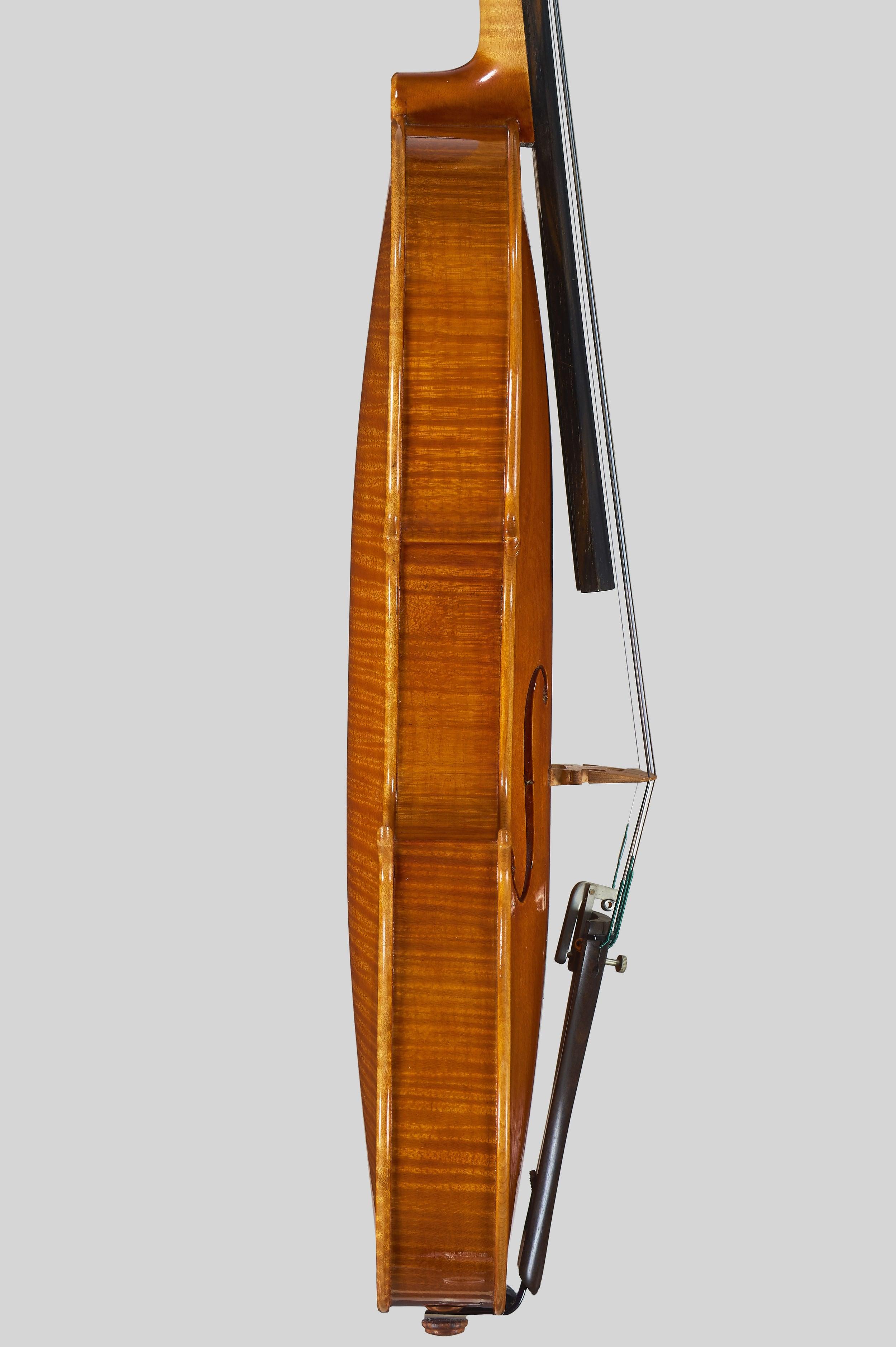 """Anno 1978 - allievo C. Belli - Violino dal mod. stile """"A. Stradivari """", etichetta: """"I.P.I.A.L.L."""" - Profilo"""